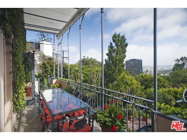 Anthony Kiedis Los Angelesi eladó otthona