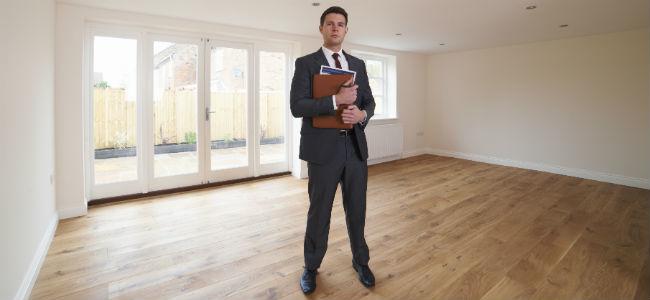 Az ingatlanközvetítő mint az ingatlanok ura