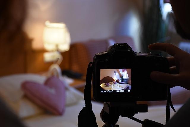 A hálószoba fényképezése: rend és elegendő fény is szükséges